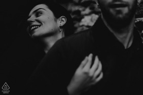 lyonlove session - engagement picture in black and white with a smile
