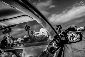 Mojacar engagement of a couple in their auto.