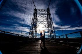 Foto de casal Royal Gorge Bridge na ponte
