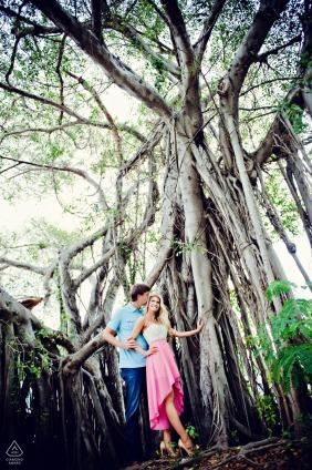 Florida Key West pre foto de la boda bajo el árbol