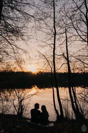Bottrop, Germany Couple silhouette picture by the lake