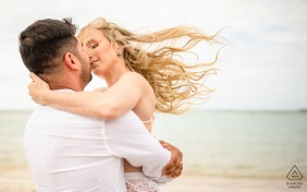 Engagement Photography | São MIguel dos Milagres, Alagoas hugs in the wind