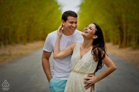 Aracruz, Espírito Santo, Brazil e-Session with a young couple in the road by the trees