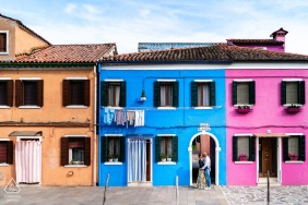Burano, Venezia, Italy pre wedding couple portraits | Surrounded by the colours