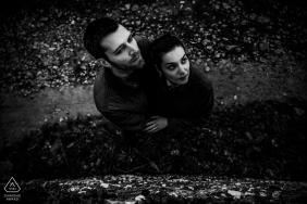 love portrait session with a couple - dans le vieux Lyon