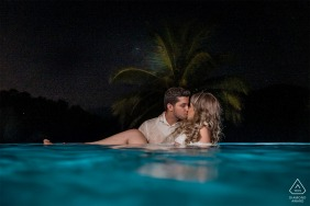 Santa Teresa, Espírito Santo, Brazil  e-Session with a couple in the blue pool