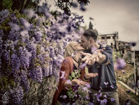 Love natural engagement portrait session with purple flowers in Quaratica La Spezia