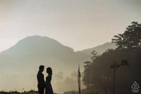 Ville de Da Lat, couple vietnamien lors de portraits: je vous veux tous, pour toujours, vous et moi, tous les jours
