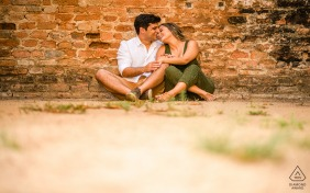 São Luiz do Quitunde, Alagoas engagement session against a brick wall with intimacy