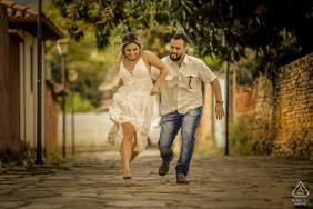 Pirinopolis, Goias prewedding photoshoot with running couple Love games!