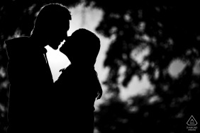 Ivančice Black and white kiss during a high contrast portrait session with an engaged couple