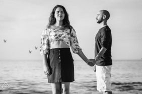BR pre wedding portrait session with engaged lovers in Niteroi RJ Just feeling the peace