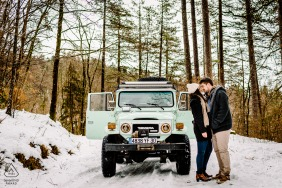 FR engagement photo shoot with a jeep in the snow at Cevennes France