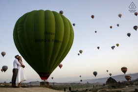 Cappadocia couple engagement pic session below the hot air balloons of the skies of Turkey