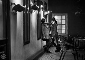 Sofia portrait e-session of couple inside building in black and white
