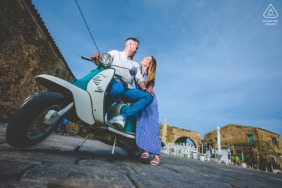 Siracusa portrait e-session of couple and a motorized scooter