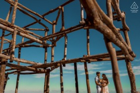 """Japaratinga environmental engagement e-session - """"Since they are engineers, I decided to use the elements that were on the beach to compose the photograph"""""""