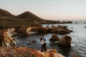 Big Sur environmental engagement e-session - a couple at the beautiful coast line