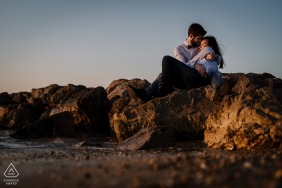 Montpellier environmental engagement e-session of beautiful afternoon light with the cozy couple