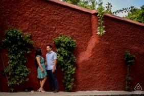 True Love Engagement Picture Session in the Parque Juarez in San Miguel de Allende showing a couple in the whole context of the photograph that is pleasing to the eye