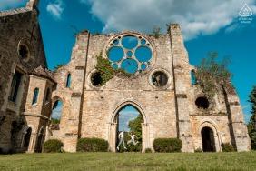 Abbaye des Vaux de Cernay couple e-session in France at the Cernay la ville