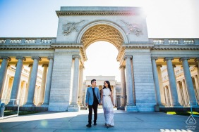 San Francisco lovers e-session with a Shining couple through the gate