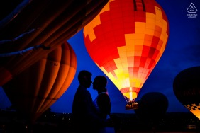 Turkey couple pre-wed session in Cappadocia in front of a hot air balloon