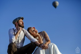 Turkey couple e-session in Cappadocia under the blue sky with a solo hot air balloon