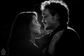 Cabanas Encantadas couple e-shoot in Goiânia in BW for pre wedding portraits