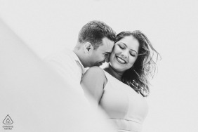 Maceió couple e-session in BW with an intimate hug and full white background