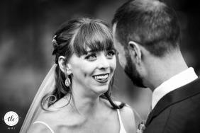 Della Terra, Estes Park, boda de Colorado | la novia llora al ver a su futuro marido luciendo tan apuesto en su traje.