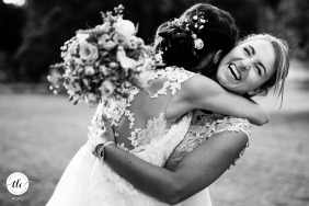 Agen, France wedding reportage photography of a big hug