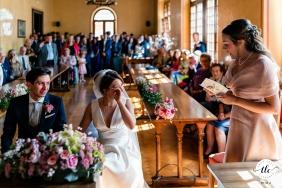 Muggia, Trieste, Italia imagen de boda de emotivos discursos durante la ceremonia