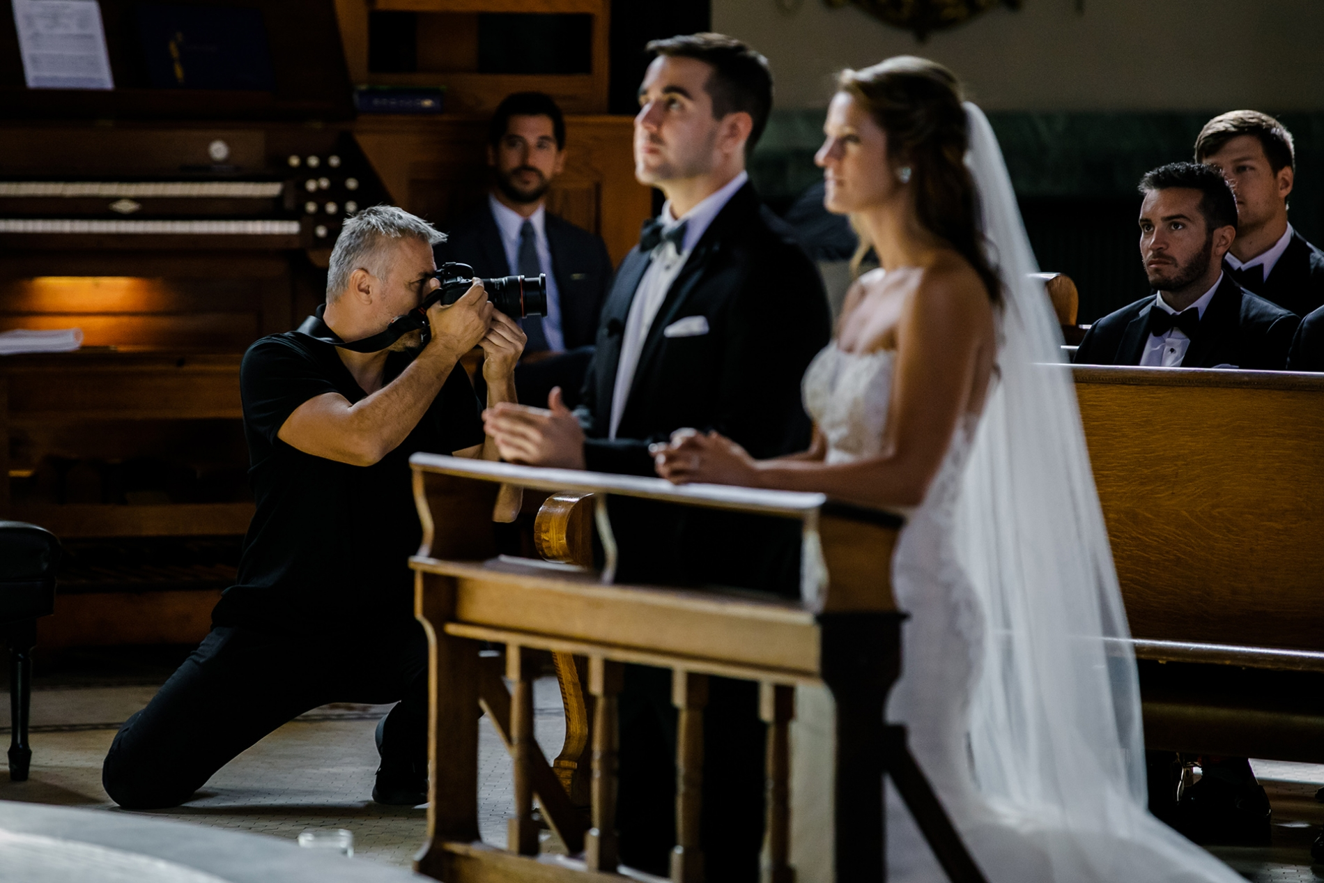 Image of wedding photographer Milan Lazic working a ceremony in Chicago Illinois