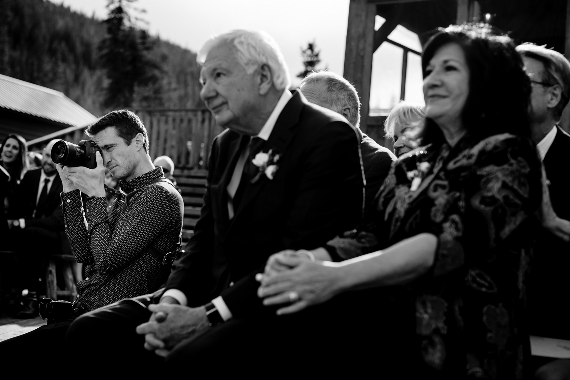 Silverthorne outdoor ceremony. Colorado wedding photographer creating images.