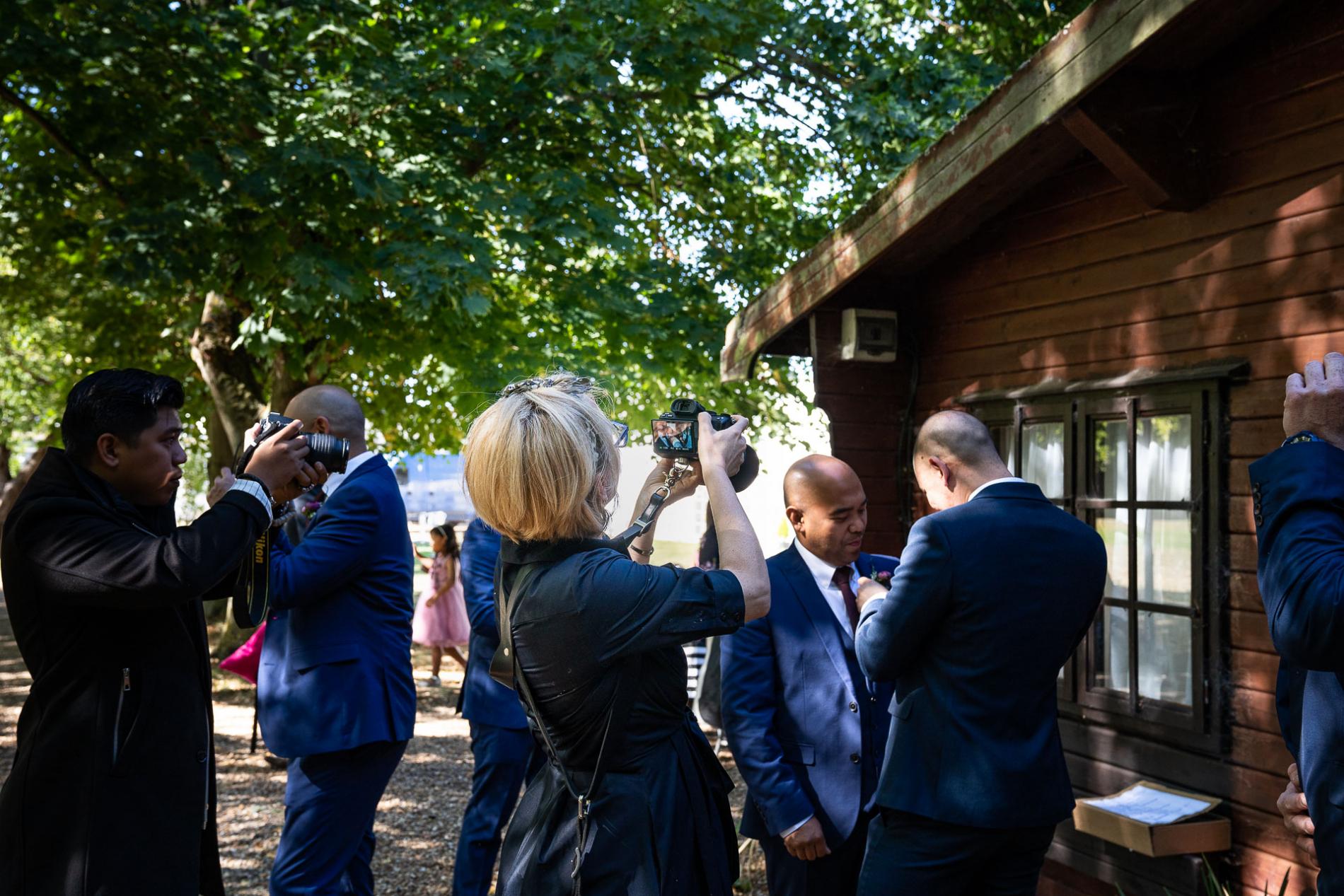 Wheathampstead Hertfordshire trouwfotograaf fotograferen tijdens een evenement.