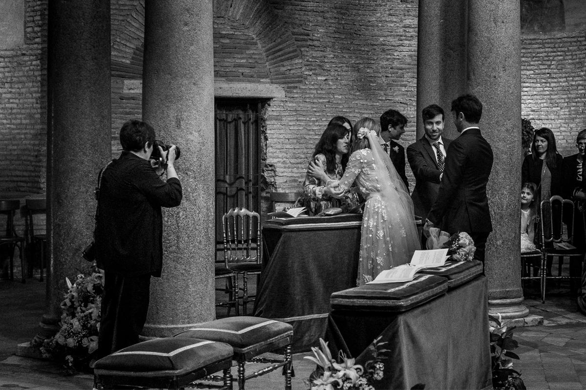 Photograph of Raffaella Arena at work during a Calabria wedding