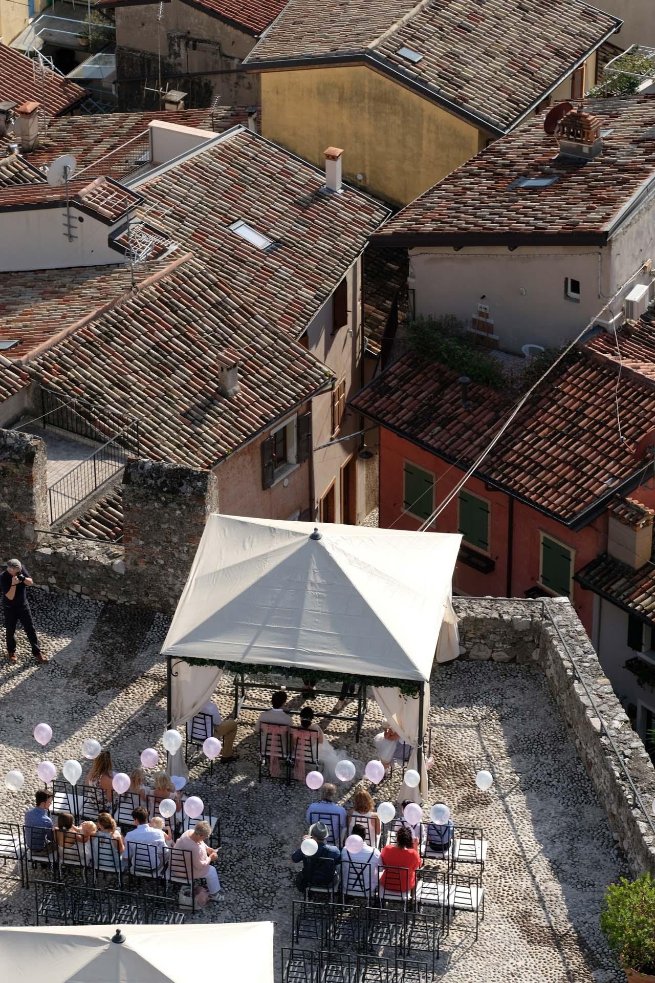 Tiroler Hochzeitsfotograf Michael Jenewein bei der Arbeit