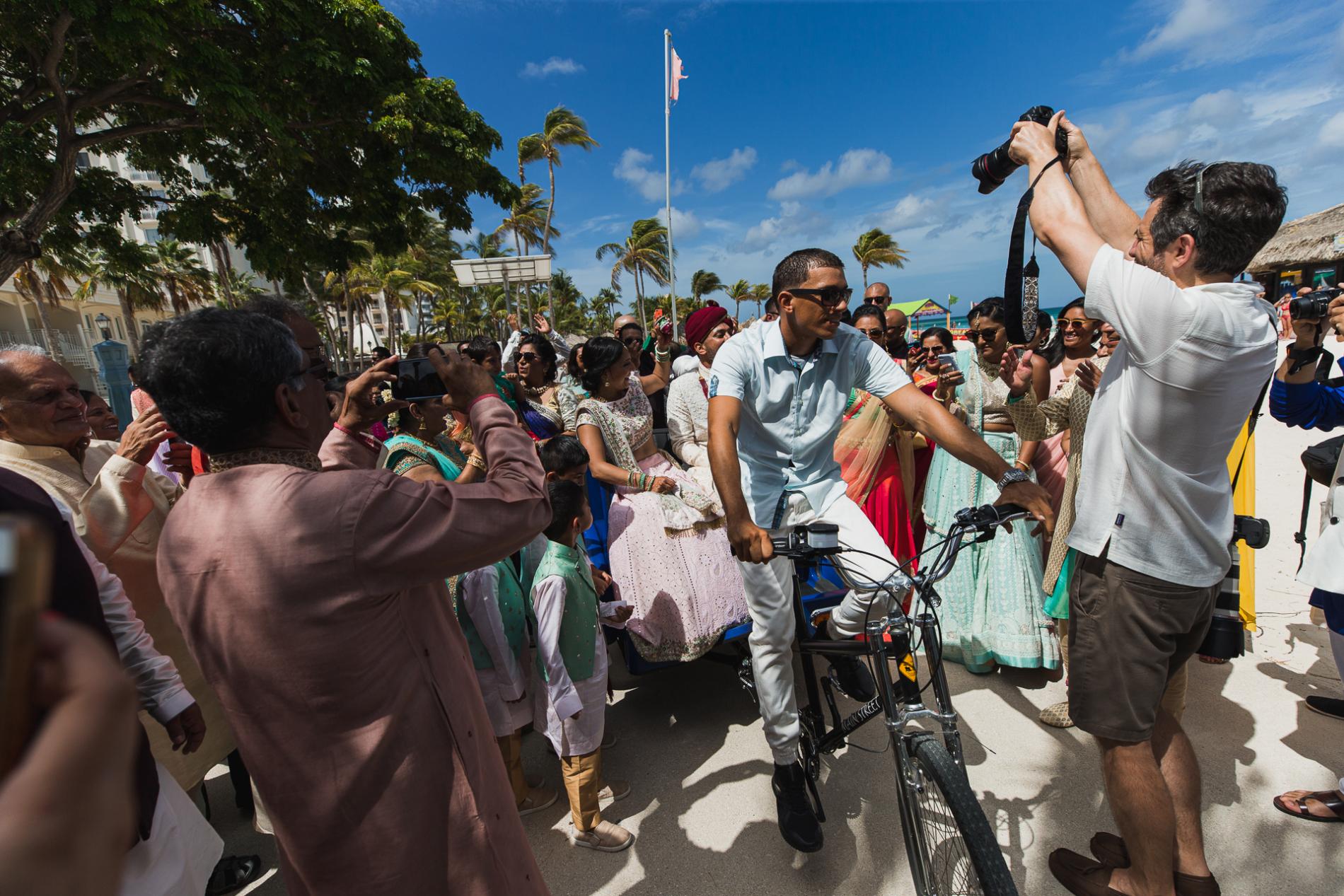 San Francisco Hochzeit Fotojournalist Drew Bird. Indische hinduistische Zielhochzeit in Aruba
