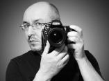 Vladimir Khaptinskiy is vooral thuis tijdens het fotograferen van trouwfoto's in Duitsland en Noord-Rijnland-Westfalen