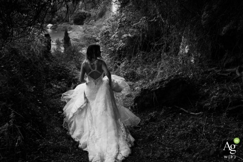 Valencia Wedding Photography | Image contains: bride,black and white, portrait, dress, outdoors