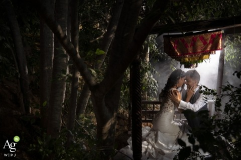 Valencia Wedding Photographer | Image contains: bride, groom, embrace, portrait, dress, outdoors, suit
