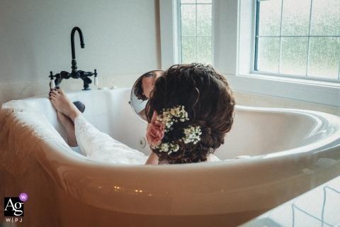 艾伯塔藝術婚禮照片| 新娘畫象浴缸的