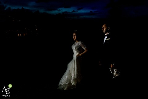 Geeshan Bandara is an artistic wedding photographer for Western