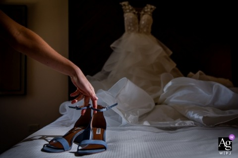 Chicago pictures by a creative wedding photographer | detail of shoes