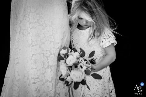 Detalle de fotografía creativa artística Overijssel de flowergirl con flores