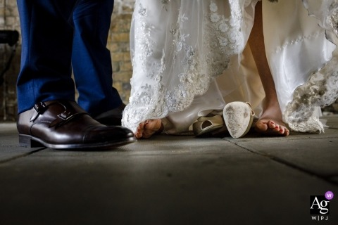 london wedding photography | between ceremony and reception | details of bride and groom feet