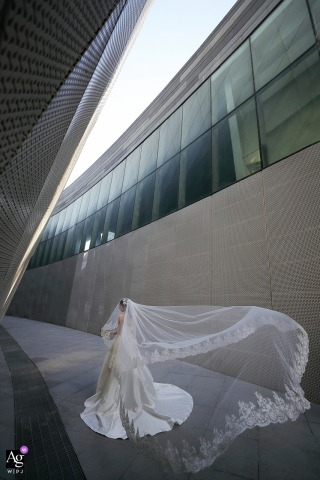 Eric Liao is an artistic wedding photographer for