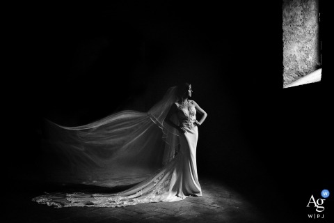 Alessandro Colle is an artistic wedding photographer for Massa-Carrara