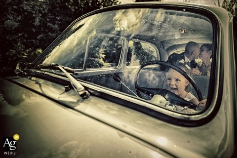 Matteo Originale is an artistic wedding photographer for La Spezia